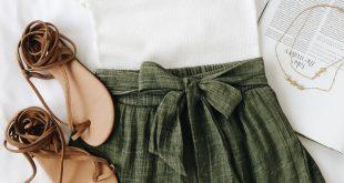 Ich kann nicht sagen, ob es sich um ein Erwachsenen- oder ein Kleinkind-Outfit handelt … aber es ist süß