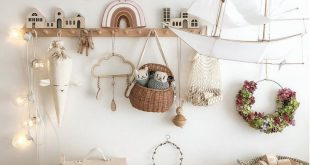 How beautiful is this whimsical and creative nursery and playroom by @misstiptop...